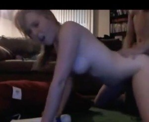 Hot lesbian strapon camshow