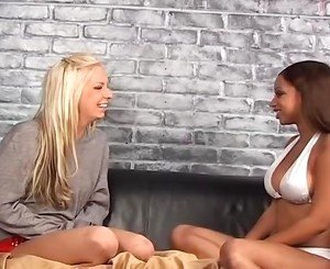 Awesome Ebony Brunette xxx vid
