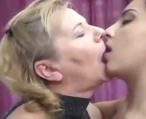 Granny milf and college girl in threesome