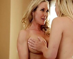 Brandi Love Licks Tara Morgan's Sweet Pussy